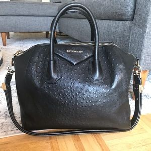 Medium Givenchy Antigona